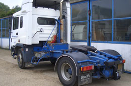 Tractor Unit with Specialised Rear Towbar Configuration