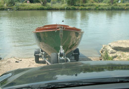 front push towbar boat launch with high visibility
